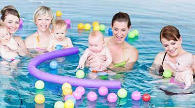 Säuglingsschwimmen im Wananas
